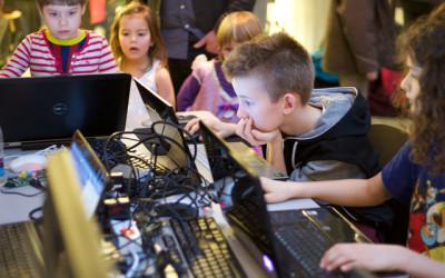DanDomain bidrager med Edison-robotter i Randers