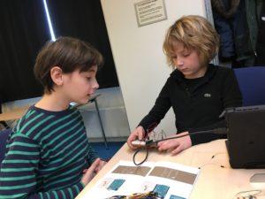 Et par pirater bygger med Arduino