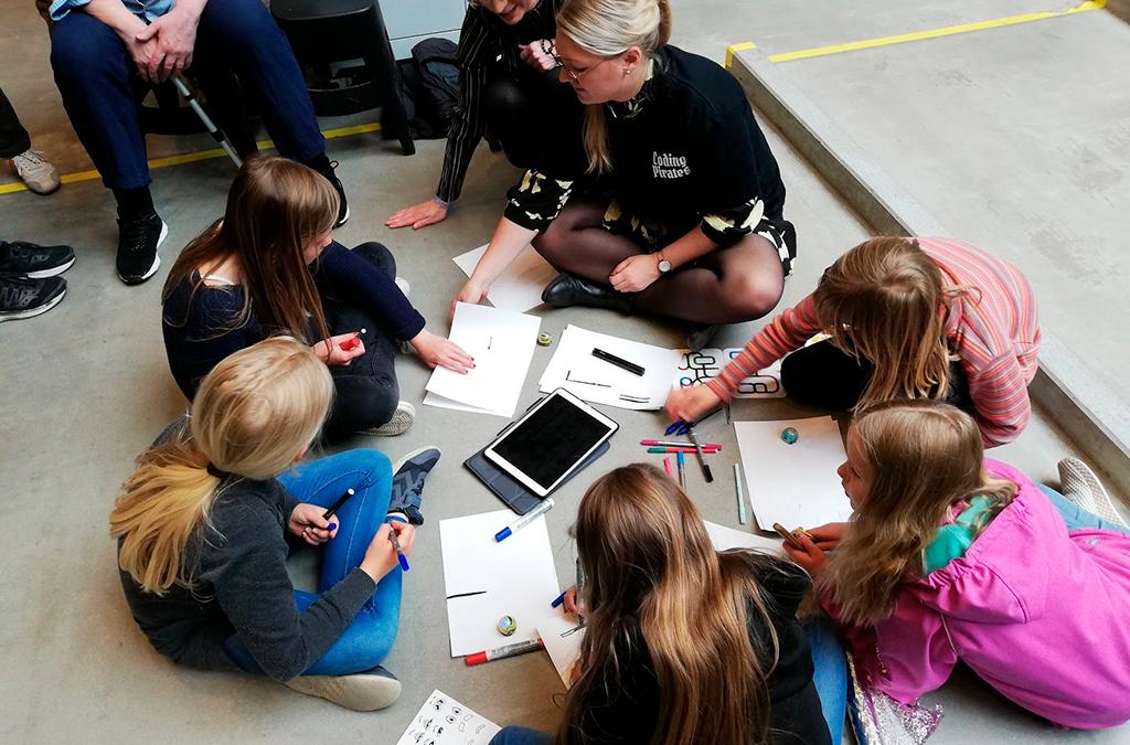 Sommerafslutning i Aarhus: Forældre-spil og hemmelige agenter